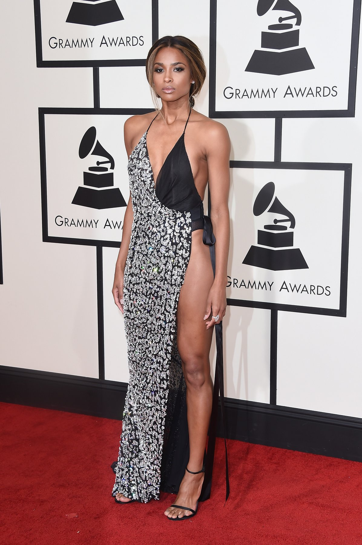 ciara-grammys-red-carpet-2016
